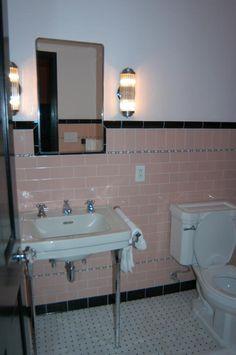 30's bathroom