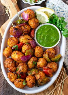 Veg Appetizers, Indian Appetizers, Appetizer Recipes, Indian Snacks, Aloo Recipes, Raw Food Recipes, Indian Food Recipes, Snack Recipes, Vegetarian Starters