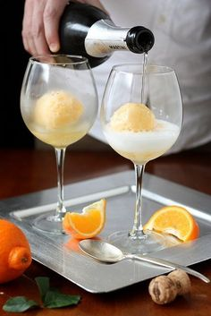 The best mimosas use orange sherbet instead of orange juice, PERFECT for a summertime brunch! (Or a summertime Sunday, sans brunch. Party Drinks, Cocktail Drinks, Cocktail Recipes, Alcoholic Drinks, Summer Cocktails, Orange Cocktail, Brunch Drinks, Mimosa Brunch, Drink Recipes