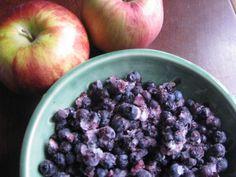 apple blueberry bumble Blueberry, Oatmeal, Apple, Fruit, Breakfast, Food, The Oatmeal, Apple Fruit, Morning Coffee