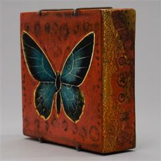Rut Bryk - A ceramic relief box/Butterfly 12.3x12.3cm