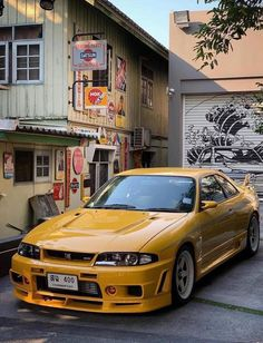 Rare Yellow Nissan Skyline R33 GT-R