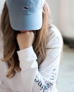 Vineyard Vines Hat, Vinyard Vines, Vineyard Vines Long Sleeve, Preppy Outfits, Preppy Style, Cute Outfits, Stylish Girls Photos, Stylish Girl Pic, Girl Photo Poses