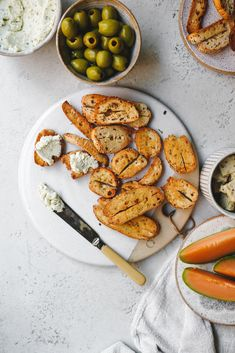 This vegan garlic herb cream cheese is so smooth and rich, it is perfect for spreading over the Silver Hills everything bagel bites. Bbq Grill, Barbecue, British Cheese, Bagel Bites, Make Ahead Lunches, Summer Snacks, Fresh Chives, Everything Bagel, Grilling