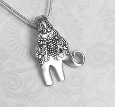 Baby Elephant Fork Necklace from an Antique Cocktail Fork 'Moselle' 1906 Jewelry Crafts, Jewelry Art, Beaded Jewelry, Silver Jewelry, Handmade Jewelry, Jewellery Diy, Handmade Art, Jewelry Ideas, Fork Jewelry