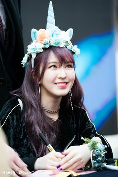 The kindest person ever!! Son Seungwan