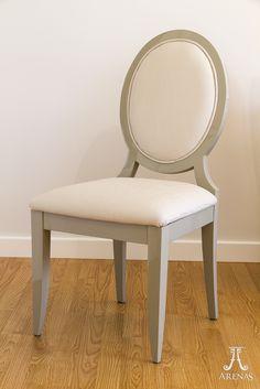 Silla de comedor de estilo moderno creada por Ebanistería Arenas // Modern style chair created by Arenas Joinery.