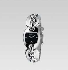 Gucci watch - still need links removed!