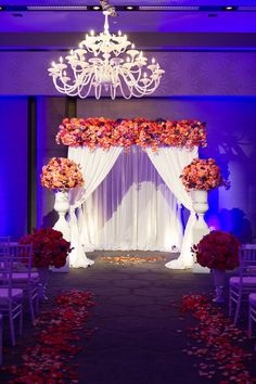 Get that wow factor with big, bold, beautiful florals on your wedding day! | Cory Ryan Photography