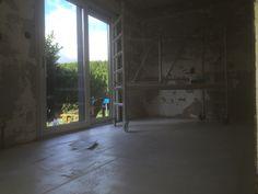 Stucwerk woonkamer en plafonds. Renovatie woning.