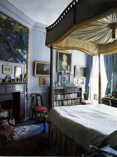 bedroom with books, canopy bed, art, writing desk and a fireplace ♥♥♥ Beautiful Bedrooms, Beautiful Interiors, English Country Decor, World Of Interiors, My New Room, Room Inspiration, Living Spaces, Living Room, Bedroom Decor
