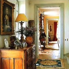 This is one of my favorite pins ever....the warm, glowing colors, portraiture, chest and styling, floor