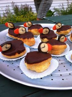 Audubon South Carolina posted these Cream Puff-ins from a picnic at a Maine coastal educational event. What a cute idea.