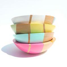 """Set of FOUR Modern Pastel Hardwood 7"""" Bowls"""