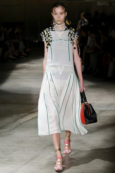 Prada Spring 2016 Ready-to-Wear Fashion Show - Viktoria Kosenkova