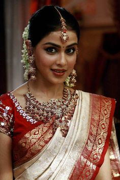 Genelia D'Souza #Bollywood #Fashion #Wedding