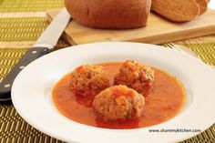 Traditional Kyufteta po Chirpanski - Meatballs in rich tomato sauce - The world of food and cooking