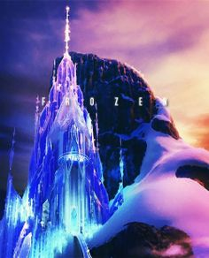 Day 7: Favorite Castle: Elsa's! And she built it with her two hands.... With a bit if magic ;)