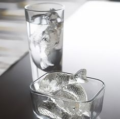 A list of fun ice-cube trays. Good for parties (especially of the summer/drinking variety).