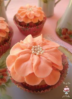 Pretty Flower Cupcakes for Mother's Day