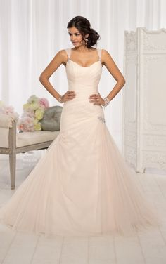 For brides looking for vintage bridal gowns, this Essense of Australia fit and flare vintage-inspired wedding gown is the perfect choice. It...