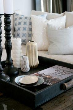 Living room. White, black, light blue, candles, decoration. anettewillemine.blogspot.com