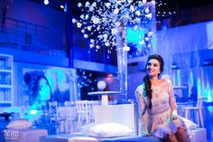 Uma noite congelante! Aniversário de 15 anos da Manuela foi com o Tema Frozen decorado e produzido por Luciana Mazzini. Fotos Kayan Freitas
