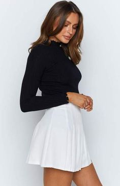 White Skater Skirt, White Tennis Skirt, Pleated Tennis Skirt, White Pleated Skirt, White Skirts, Mini Skirts, Pleated Skirt Outfit Short, Short White Skirt, Skater Skirts