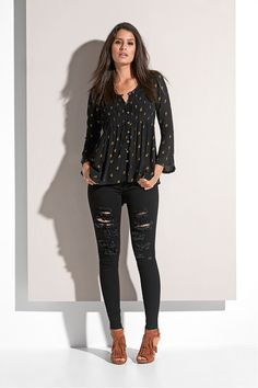 BACKSTAGE Ss16, Backstage, Black Jeans, Pants, Fashion, Fashion Styles, Trouser Pants, Moda, Black Denim Jeans