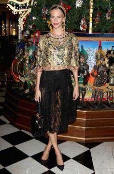 Poppy Delevingne wore an opulent Dolce & Gabbana ensemble #poppy #poppydelevigne