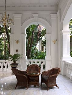 56 Trendy Home Design Exterior Colonial West Indies Decor, West Indies Style, British West Indies, British Colonial Decor, Modern Colonial, Colonial India, Colonial Kitchen, Colonial Style Homes, French Colonial