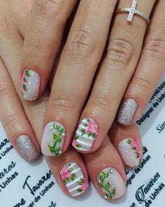 100 Fotos de Unhas decoradas Românticas Nail Designs Spring, Nail Art Designs, Hair And Nails, My Nails, Fancy Nails, Spring Nails, Lily, Beauty, Erika