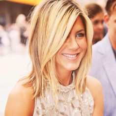 Jennifer Aniston hair inspiration (exact same hair I have right now)