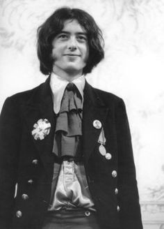 Jimmy Page, 1966. The collar on that shirt….