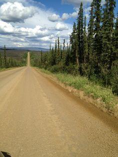 Dalton Highway to the Arctic Circle in Alaska