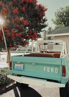 My Dream Car, Dream Cars, Wolkswagen Van, Car Goals, Cute Cars, Ford Bronco, Future Car, Old Trucks, Lifted Trucks