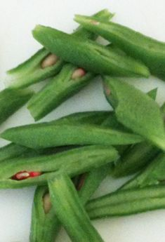 how to prepare & cook Scarlet Runner Beans Bean Recipes, Veggie Recipes, Real Food Recipes, Northern Canada, Veggie Patch, Backyard, Patio, Eating Organic, Kitchens