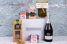 Luxury Hampers, Staff Gifts, Christmas Hamper, Prosecco, Luxury Gifts, Corporate Gifts, Platter, Personalized Gifts, Treats