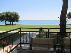 Entire home/apt in Μόλες Καλύβες, GR. This summer house is an ideal residence location for two, a couple or friends, that appreciate the relaxation that living by the sea can offer. Part of a small housing development with a vast balcony, cozy rooms it is an ideal location for vacatio...