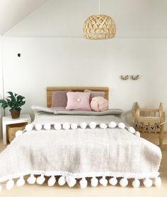 slaapkamer van het poppenhuis