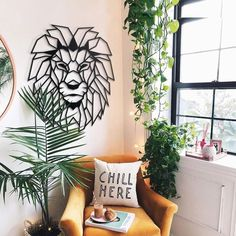 Lion Head - Make your walls roar! Lion Head safari themed metal wall art is a perfect decor to create a modern look on your walls. This lion wall art will decorate your room and give you the power which king of the forest holds. Large Metal Wall Art, Metal Wall Decor, Wall Art Decor, Lion Wall Art, Lion Art, Geometric Lion, Safari Decorations, Wooden Picture, Decoration Design