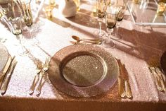 Gold Sparkle Charger Plate and Gold Cutlery