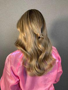 #fullheadhighlights #foilyage U kunt een afspraak maken via Haarvisie.nl, U kunt een afspraak maken via Haarvisie.nl, whatsapp of telefonisch Wateringen 06-828 72 625, 017-426 63 65 Rijswijk 06-304 77 560, 070-336 83 28whatsapp of telefonisch Wateringen 06-828 72 625, 017-426 63 65 Rijswijk 06-304 77 560, 070-336 83 28 Full Head Highlights, Blond, Long Hair Styles, Beauty, Winter, Winter Time, Long Hairstyle, Long Haircuts, Long Hair Cuts