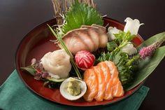 """""""Keine japanische Speise hat ein Zentrum alles ist hier Verzierung einer weiteren Verzierung"""". Wir haben ein japanisches Restaurant getestet."""