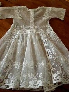 Antique Lace, Vintage Lace, Vintage Dresses, Vintage Outfits, Vintage Fashion, Antique Dolls, Vintage Baby Clothes, Moda Vintage, Lace Outfit