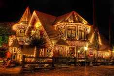 Beautiful Christmas Lights On Houses Photo Album - Home Design Ideas Christmas Lights Outside, Christmas House Lights, Christmas Light Displays, Decoration Christmas, Xmas Lights, Noel Christmas, Victorian Christmas, Holiday Lights, Outdoor Christmas