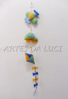 Artes da Luci: móbile em feltro - avião - carro - pipa