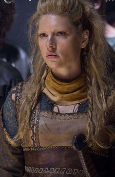 Katheryn Winnick Vikings, King Ragnar, Floki, Vikings Tv, Shield Maiden, Lagertha, Popular Tv Series, Viking Tattoos, Hermione Granger