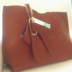 Leather tote with matching cross body bag from 41 Hawthorne, via Stitch Fix | Modern Mrs Darcy