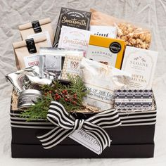 Look up exceptional corporate gifts and company gifts for your place of work. Housewarming Gift Baskets, Wine Gift Baskets, Basket Gift, Large Christmas Baubles, Succulent Wedding Favors, Company Gifts, Realtor Gifts, Client Gifts, Gift Ideas